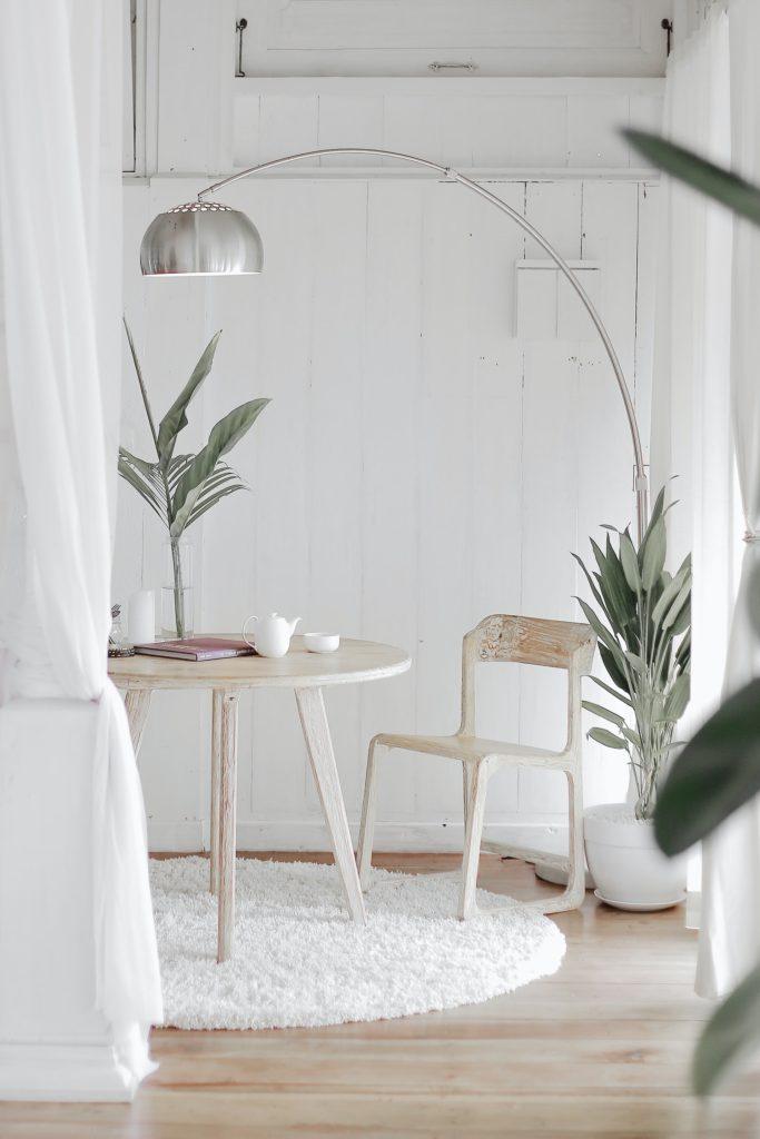 lumina este esențială în conceptul de minimalism